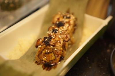 sushi fusion foei gras bamboo roll