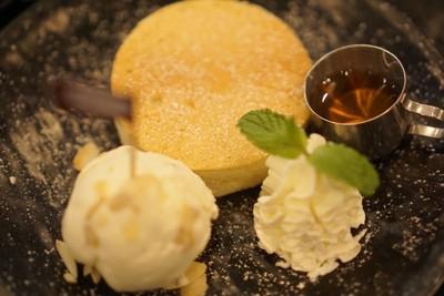 Maccademia souffle pancake