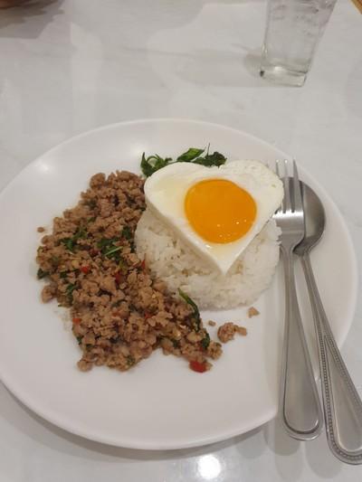 ข้าวกะเพราหมูสับ+ไข่ดาว