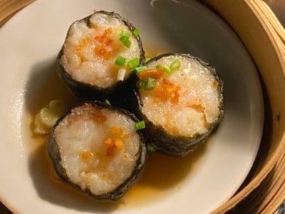 Streamed seaweed, minced shrimp, spicy garlic sauce