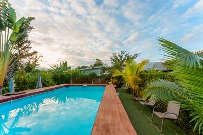 บลูมูล ริเวอร์ไซด์ รีสอร์ต อุบลราชธานี (Bluemoon Riverside Resort Ubon Ratchathani)