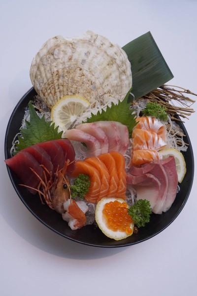 Premium sashimi set##2