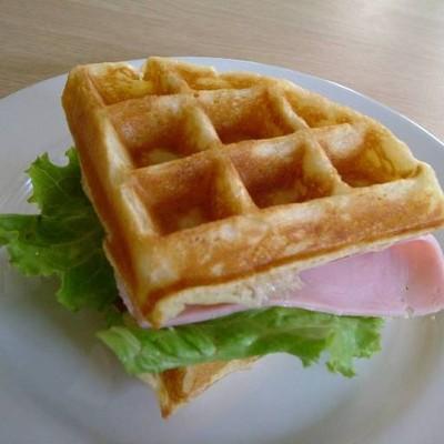 Little Hut(สุขุมวิท 23)-Thai Food&Waffle House (ลิตเติ้ล ฮัท ( สุขุมวิท23) -อาหารจานด่วน&Waffle House) สุขุมวิท 23