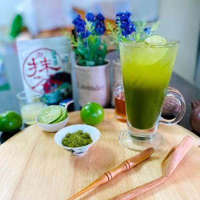 ชาเขียว(มัทฉะ) น้ำผึ้ง มะนาว โซดา