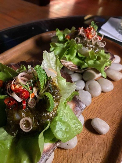 Cured scallop with spicy lemongrass and mint dressing
