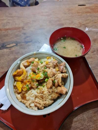 Oyakodon ข้าวหน้าไก่และไข่ออร์แกนนิค