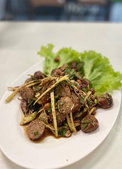 ฉันท์มิตรห่านพะโล้ (Chan Mit Han Phalo Restaurant)
