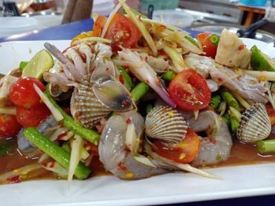 ตำปูม้า+หอยแครง+กุ้งสด+หมูยอ