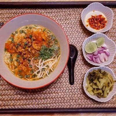 เวียงละกอน ข้าวซอยน้ำคั่ว น้ำเงี้ยว อาหารเหนือ (เวียงละกอน อาหารเหนือ)
