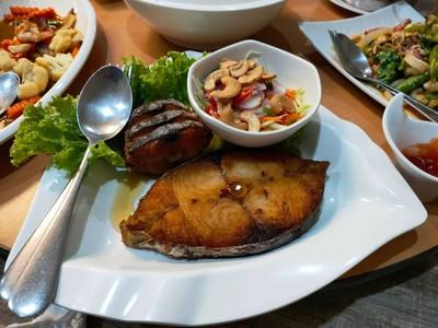 ปลาอินทรีทอดราดซีอิ้ว