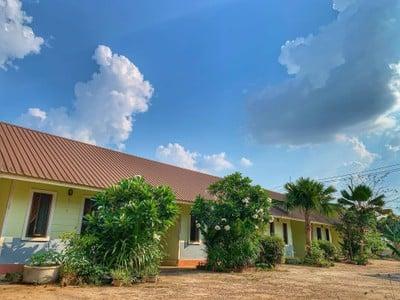 ชมเดือนรีสอร์ท (Chomduan Resort)