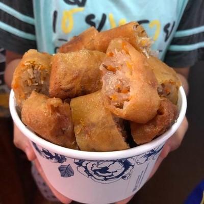 ครัวคุณขวัญคิทเช่น ปอเปี๊ยะทอด ข้าวแกง ขนมจีน แม่สอด บาย พีจี วัน (KHRUA KHUN KWAN KITCHEN FRIED SPRING ROLLS AND THAI FOODS MEASOT BY PG ONE)
