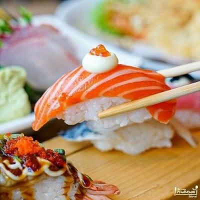 ร้านอาหารญี่ปุ่นTomodachi จอมสุรางค์ยาตร์