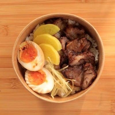 Ma-ke inu มาเกะ อินุ ข้าวเนื้อตุ๋น หมูตุ๋น ไก่ตุ๋น สไตล์ญี่ปุ่น ลาดพร้าว ซอย 4