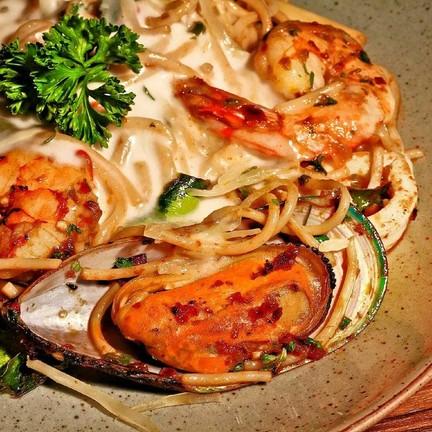 Spaghetti Seafood TomYum Creamy ♡♡♡♡♡♡