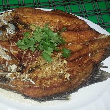 ปลากะพงขาวทอดน้ำปลา