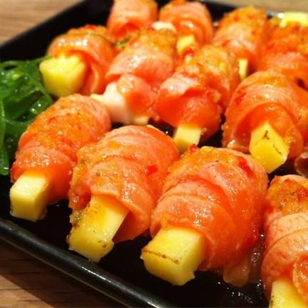 อาหารพิเศษประจำวัน แซลมอนห่อชีส