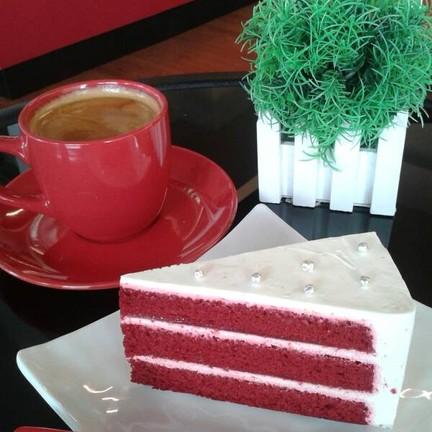 red velvet cake ♥ americano YummYๆๆๆ