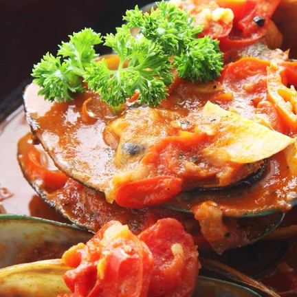 New Zealand Mussels In Spicy Tomato Sauce