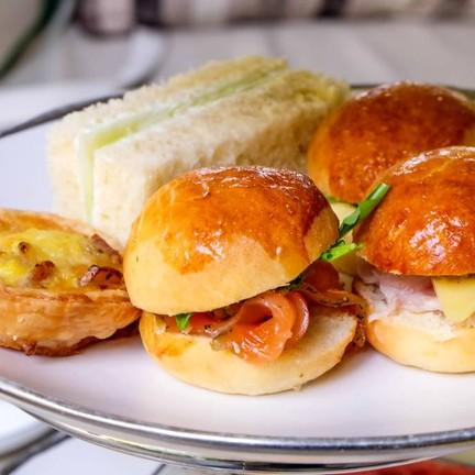 Savory Dish: Salmon / Ham & Cheese / Yolk Sandwich / Ham Quiche