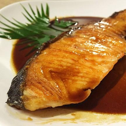 ซอสเค็มๆ ตัดกับกลิ่นหอมๆของปลา อร่อยฟิน