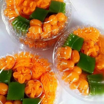 จัดแต่งได้ตามใจลูกค้าที่อยากได้ขนมไทยหลากหลายไว้นำไปแบ่งปันและใช้ในงานมงคลต่าง