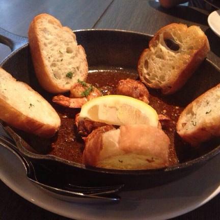 ขนมปังกระเทียมกุ้ง>< (ปล.ขุดรูปมาได้แค่นี้อ่ะㅠㅠ)
