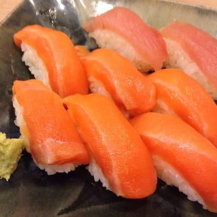 Sushi ที่นี่สดนุ่มข้าวปรุงรสอร่อยมาก