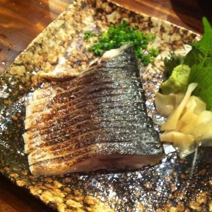 ปลาซาบะกริลล์ที่ผิว มันเยิิ้มๆ อร่อยมากก