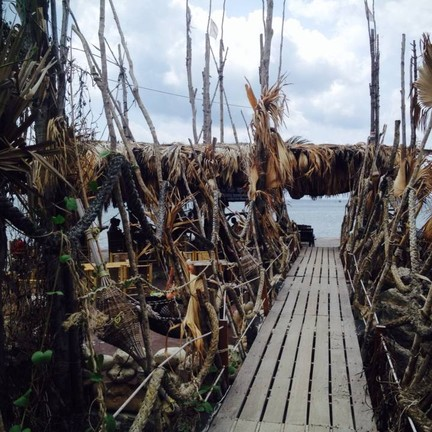 เกาะราฮัม หาดสนรีสอร์ท