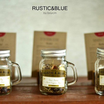 มุมชาสำหรับทดลองกลิ่น มีให้เลือกมากกว่า 30 ชนิด