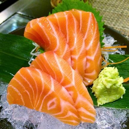 Salmon Sashimi (154฿)