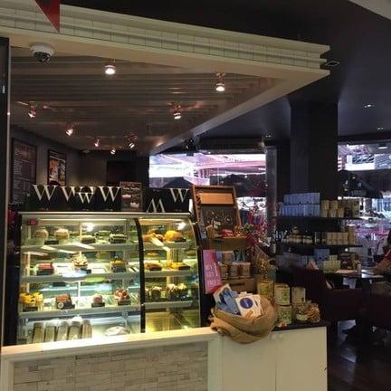 Simply W Cafe La Villa, Ari