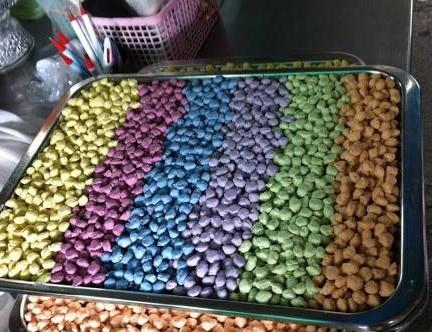 มีหลายสีเลยยย น่ากินอ่ะ