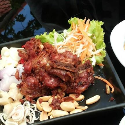 Cha Cha Bar Chiangmai pub&restaurant