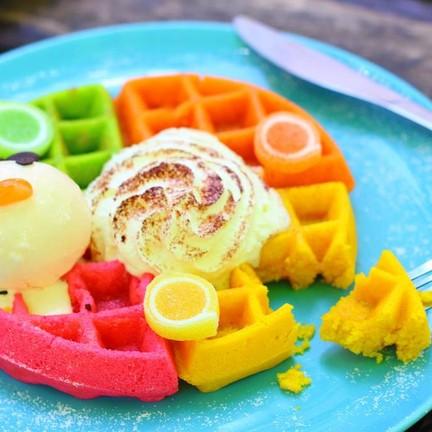 Waffle with Ice Cream (90 บาท)