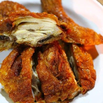 ไก่ทอด (เล็ก 50-55 บาท ใหญ่ 100-110 บาท) - สั่งแบบจานเล็ก