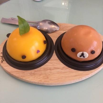 เค้กส้มหน้านิ่มกับคุมะชาไทยย