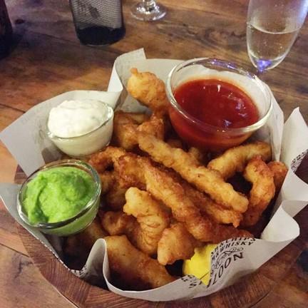 Fish and chips Dish ซอสเด็ดมาก แกล้มเครื่องดื่มได้ดี