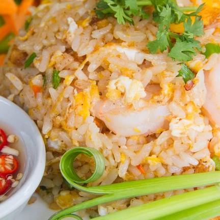 ข้าวผัดกุ้ง รสเด็ดไม่ง้อน้ำปลาพริก