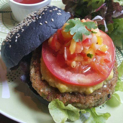 Broccoli Quinoa Charcoal Burger
