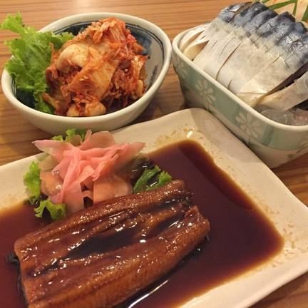 กิมจิ ซาบะซาชิมิ ปลาไหลย่าง