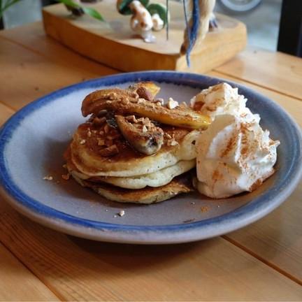 caramelized banana pancake (160.-)