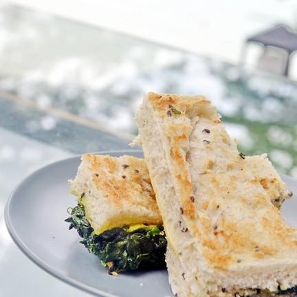Spinach cheese sandwich ราคา 95 บาท