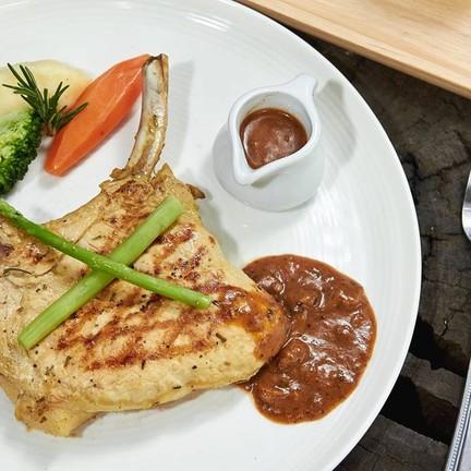 Phapong Pork Chop