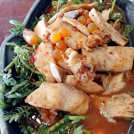 แกงส้มไข่ปลาเรียวเซียว