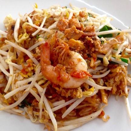 ผัดไทยไข่ปู กุ้งสด  50฿ อร่อยคุ้มมากๆ
