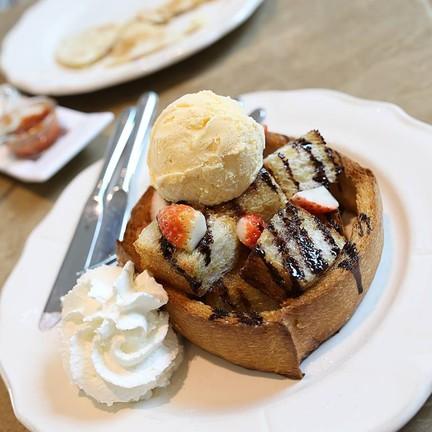 Butter Toast 200฿