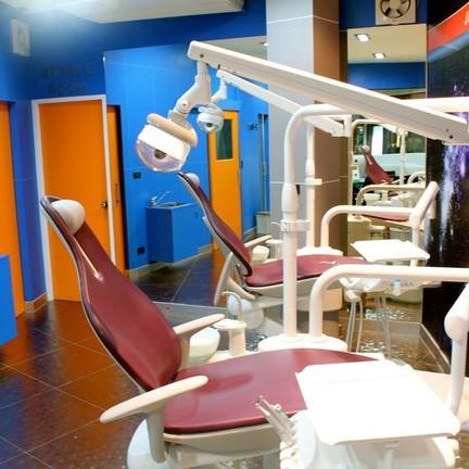 Dental Planet Clinic ซอยรังสิตภิรมย์ (ม.กรุงเทพ)