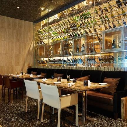 La Tavola  โรงแรม เรอเนสซองซ์ กรุงเทพฯ